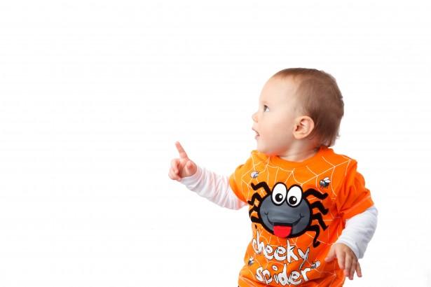 halloween-boy-pointing