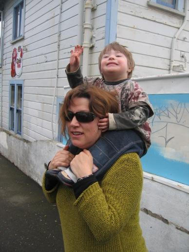 Child_piggyback